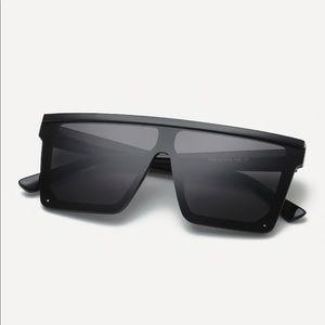 Plain Frame Flat Top Sunglasses